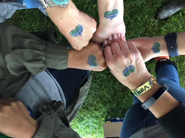 give tatoos
